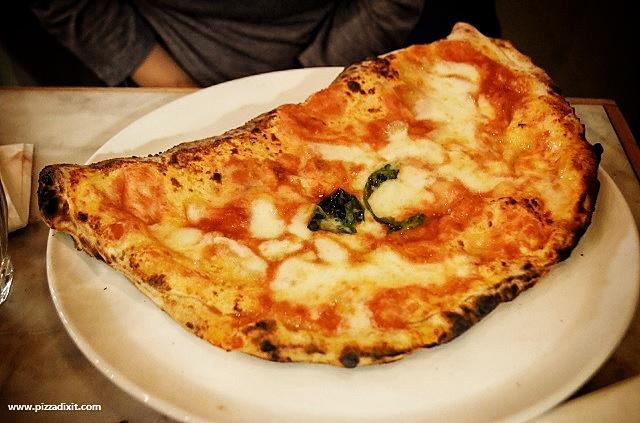 Santa Maria pizzeria Ealing Calzone