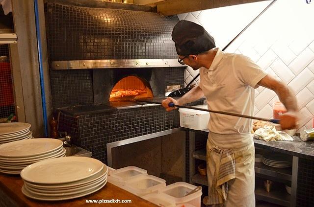 Santa Maria pizzeria Ealing forno a legna