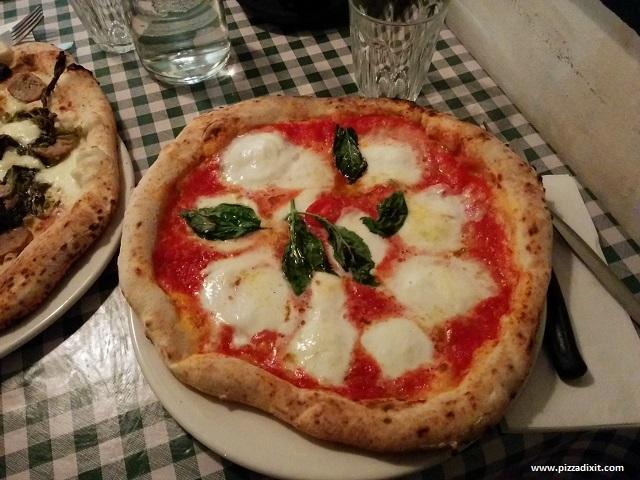 Pizza Pilgrims Margherita con mozzarella di bufala