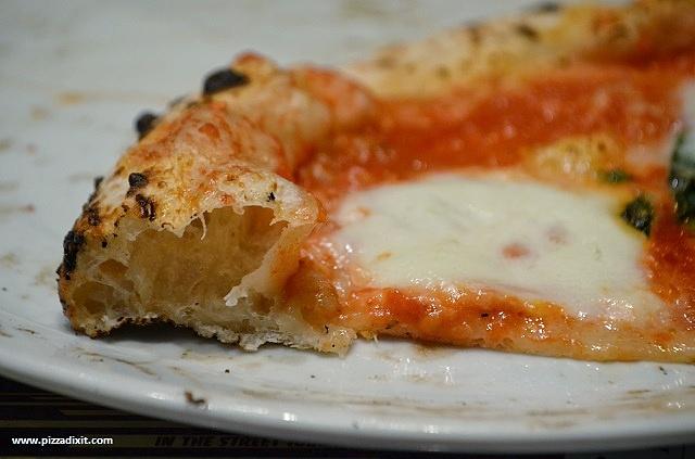 Bravi Ragazzi pizzeria Streatham, impasto