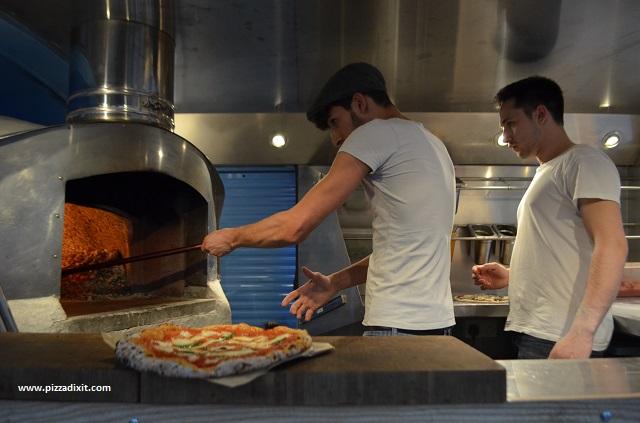 Sud Italia pizzeria forno a legna