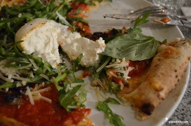 Santa Maria Fulham, pizza con burrata