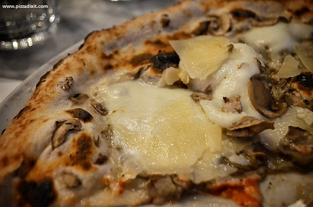 Sacro Cuore Kensal Rise pizza tartufata