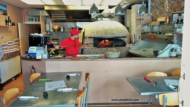 Figli del Vesuvio pizzeria forno a legna