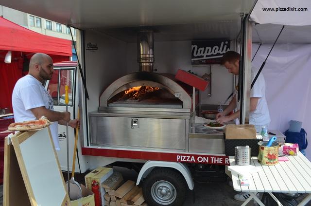 Napoli On The Road pizza truck Londra