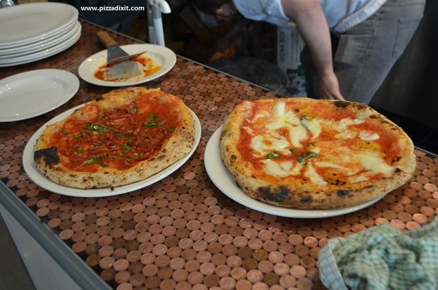 Pizzeria Melisi, pizze appena sfornate