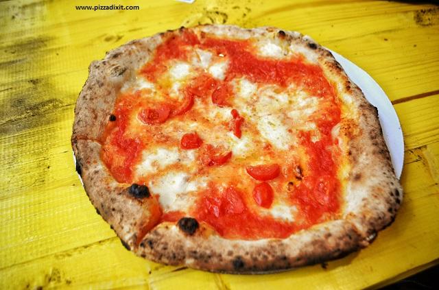 Fresco Mercato Metropolitano pizza Margherita