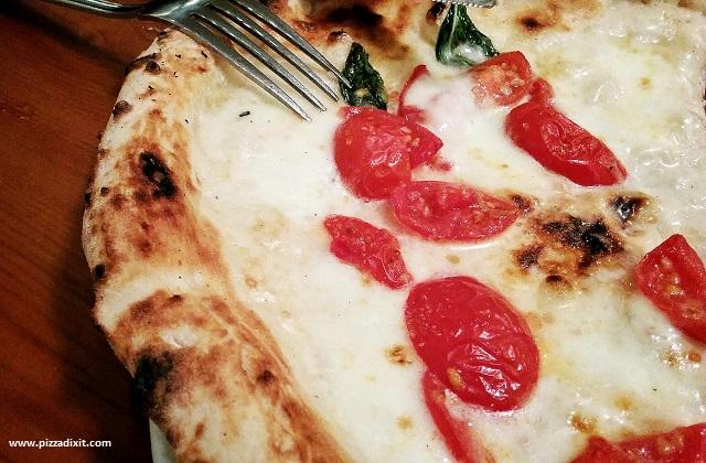 Pizza Pilgrims fetta di pizza a filetto