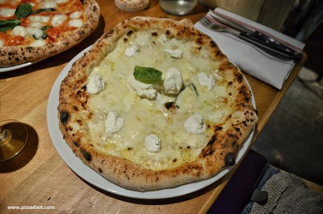 Pizzeria Meridionale Fulham, pizza Quattro Formaggi