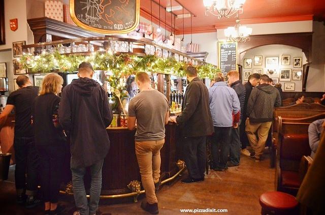 Santa Maria Ealing Red Lion pub