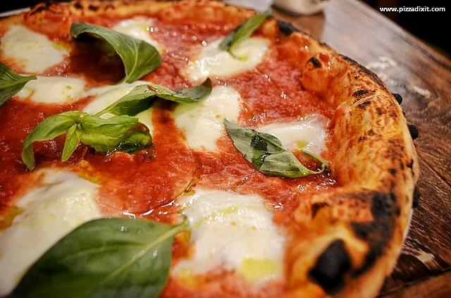 Oi Vita Pizzeria Canonbury Bufalina