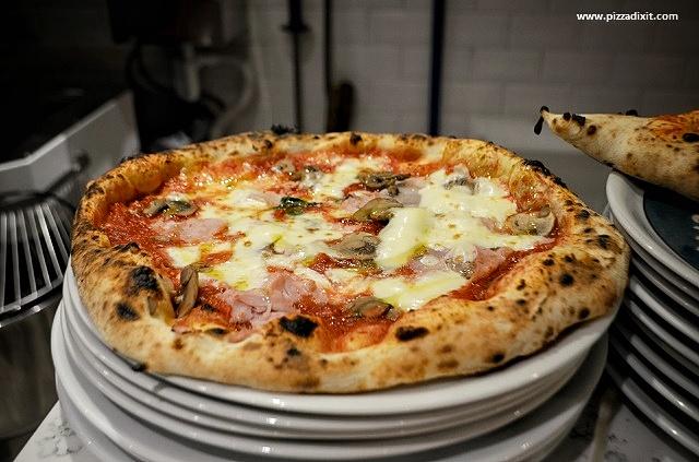 Oi Vita Pizzeria Canonbury pizza forno a legna
