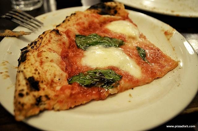 Pizzeria Addommè Streatham Margherita Bufalina