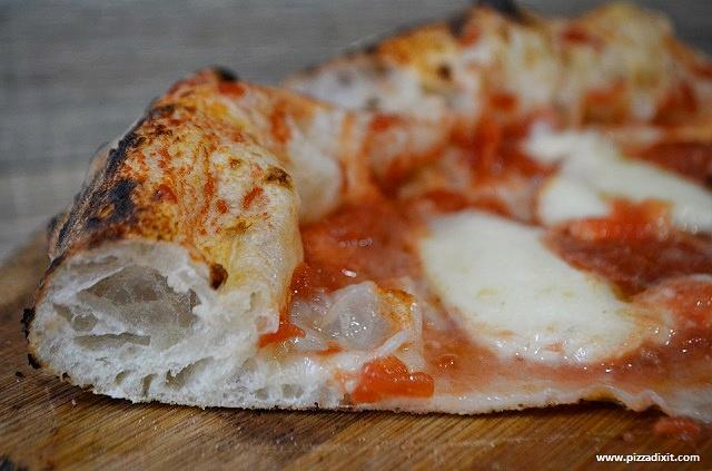 Ciaooo Pizzeria Bruxelles Margherita fetta