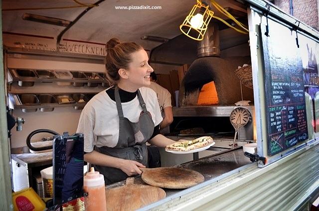 Well Kneaded pizza van Londra Bridget