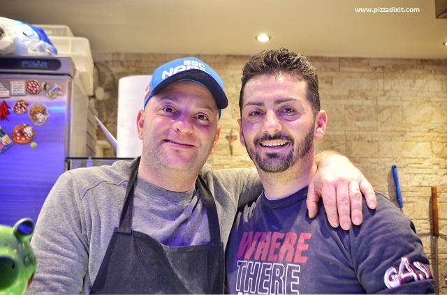 Da Sasà Bonn pizzaioli Gabriele Valentino e Salvatore Mazzamauro
