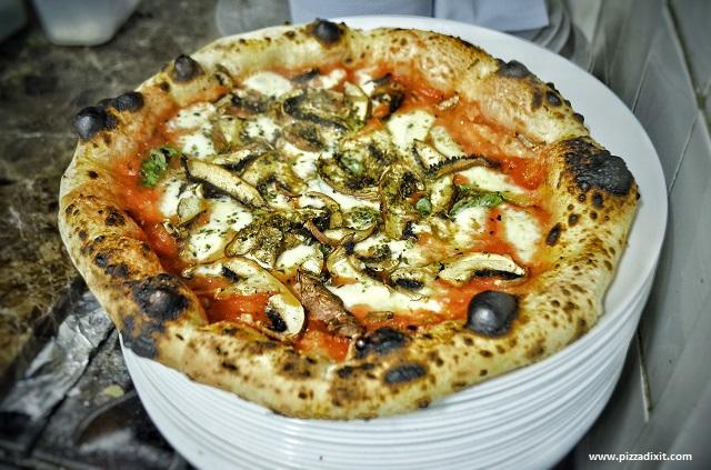 Pizza di Wandercrust cotta nel forno elettrico
