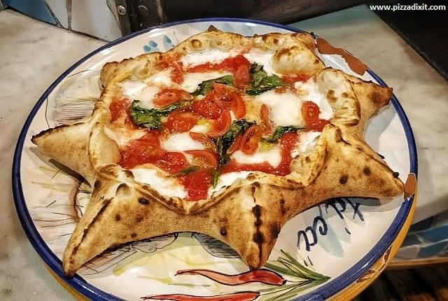 Peppe Napoli sta' ca'' Komazawa pizza a stella