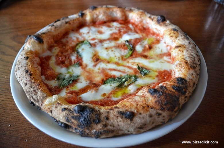 Bijou Montmartre, pizza Margherita