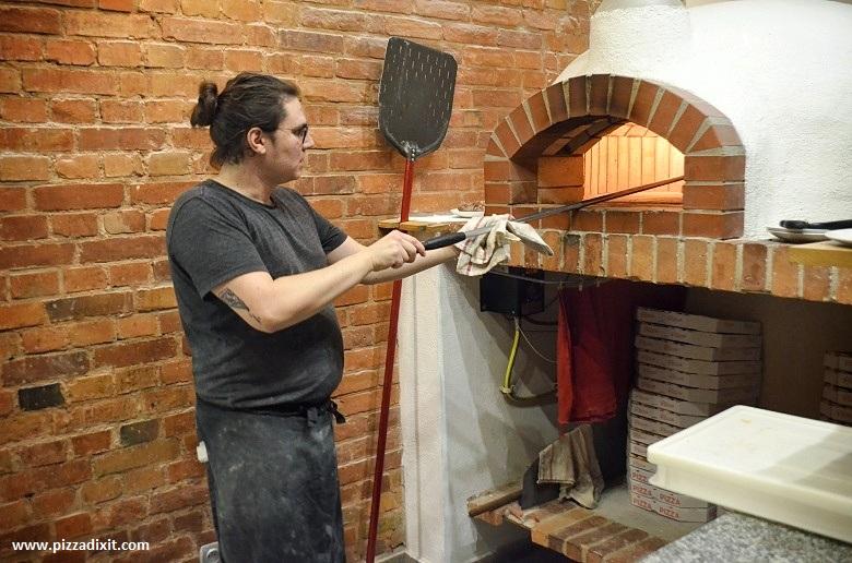 Ogień, Remi e la pizza napoletana