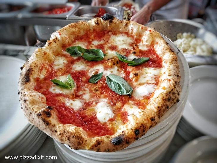 Fatto a Mano Hove, pizza napoletana