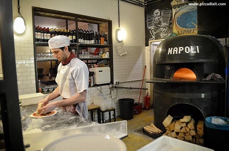 Zola, pizzeria napoletana a Berlino