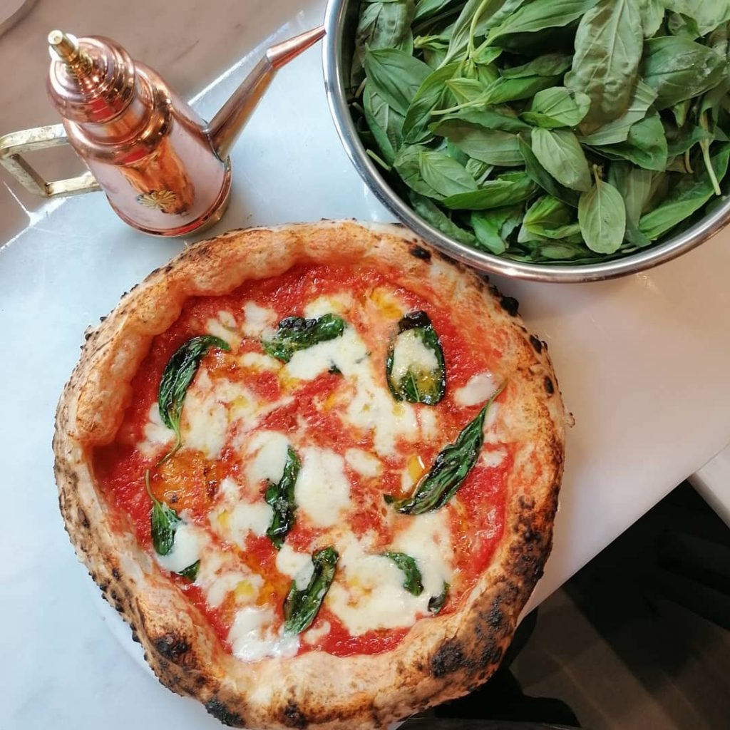 Officina 22 pizzeria napoletana Madrid